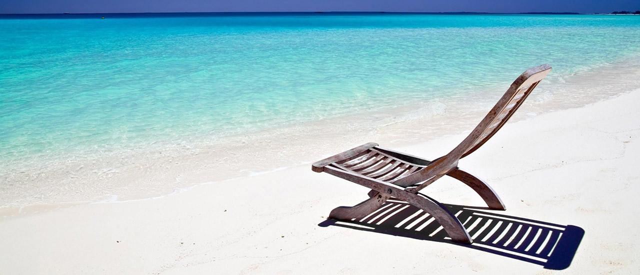 Free-Beach-Screensavers-and-Wallpapers-Summer-Beach-1